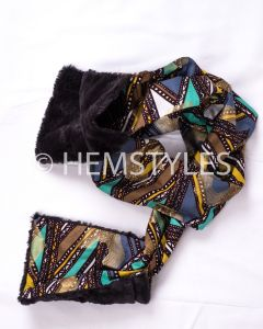 Woodin scarf with black fur pockets