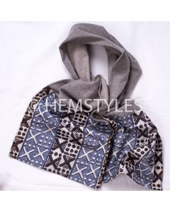 Grey fleece and Woodin scarf with pockets